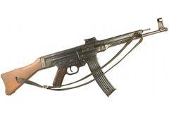 Replika puška StG 44 s popruhem